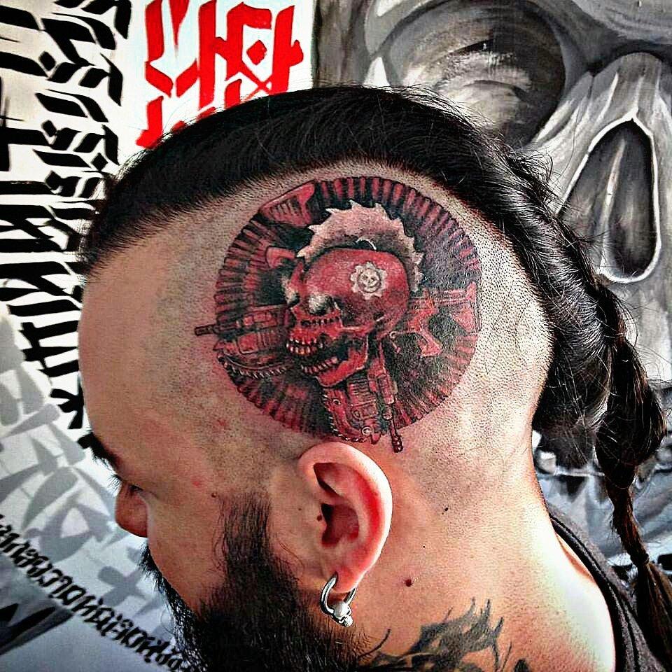 Фанатская татуировка Gears Of War