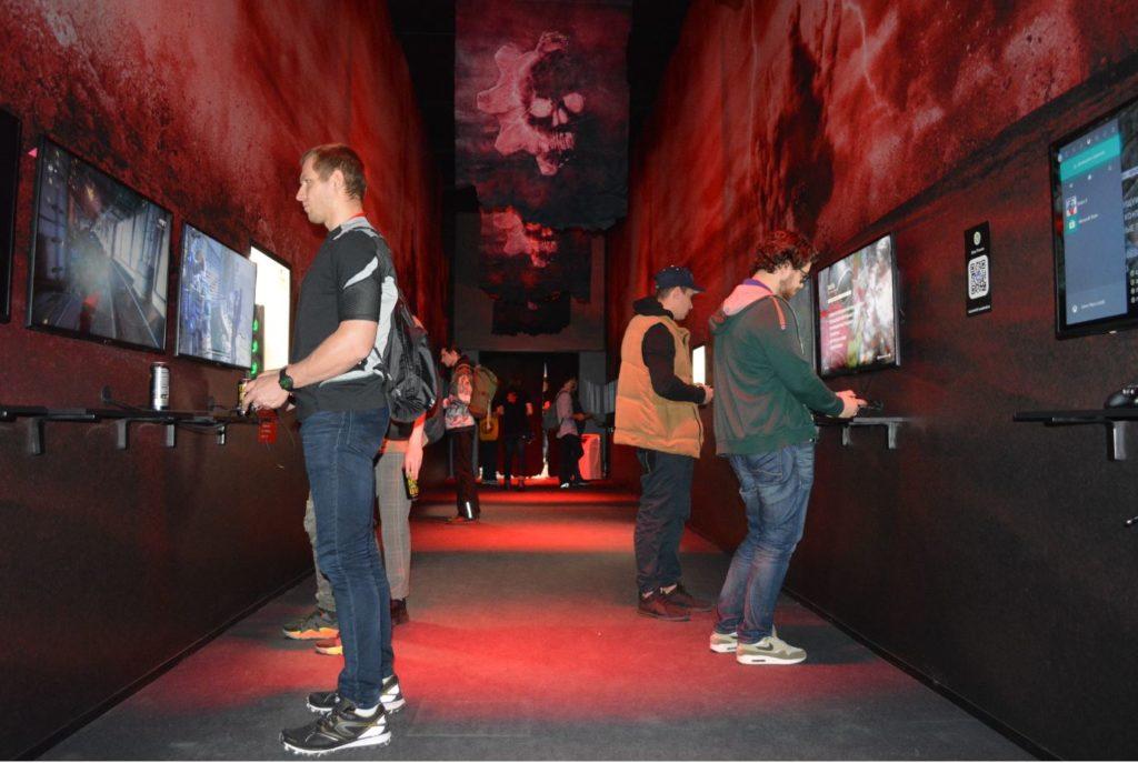 Павильон с Gears 5 на Игромире 2019