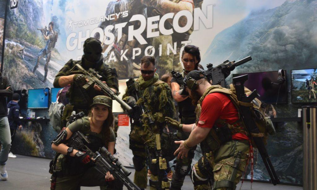 стенд партнёра Xbox – Ubisoft с представленной 20-ти минутной демоверсии Tom Clancy's Ghost Recon Breakpoint