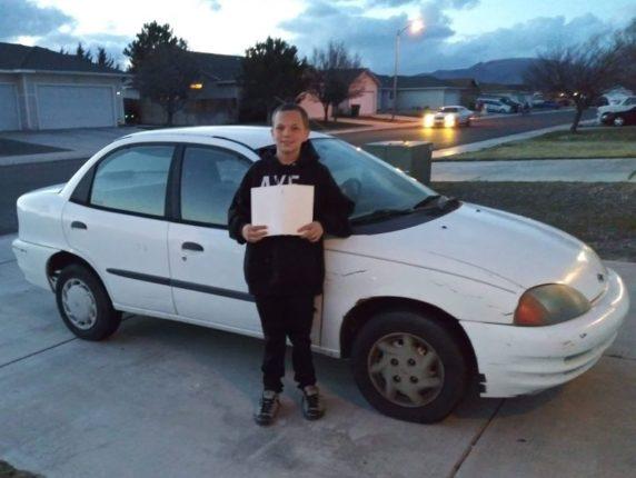 Подросток продал собственный Xbox и подрабатывал во дворе, чтобы купить маме автомобиль