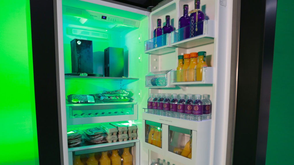 Холодильник Xbox Series X