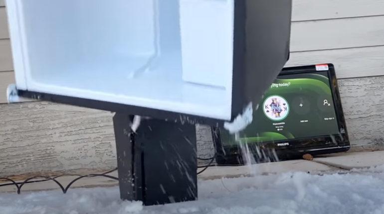 Краш-тест Xbox Series X с использованием холодильника