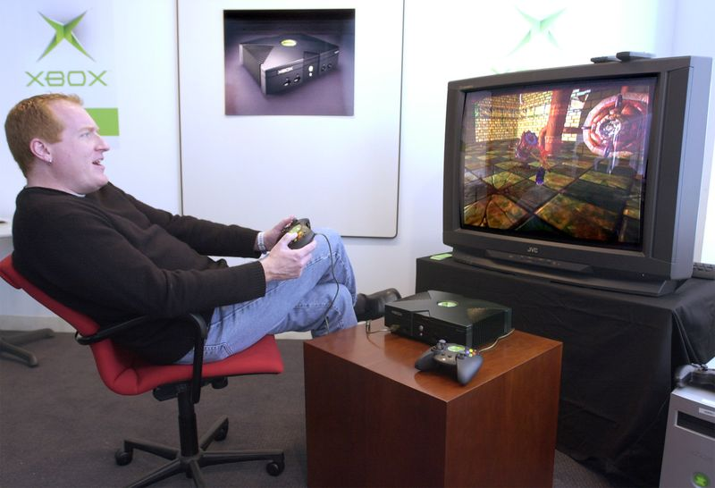 Seamus Blackley demonstrates Microsoft's new Xbox video game